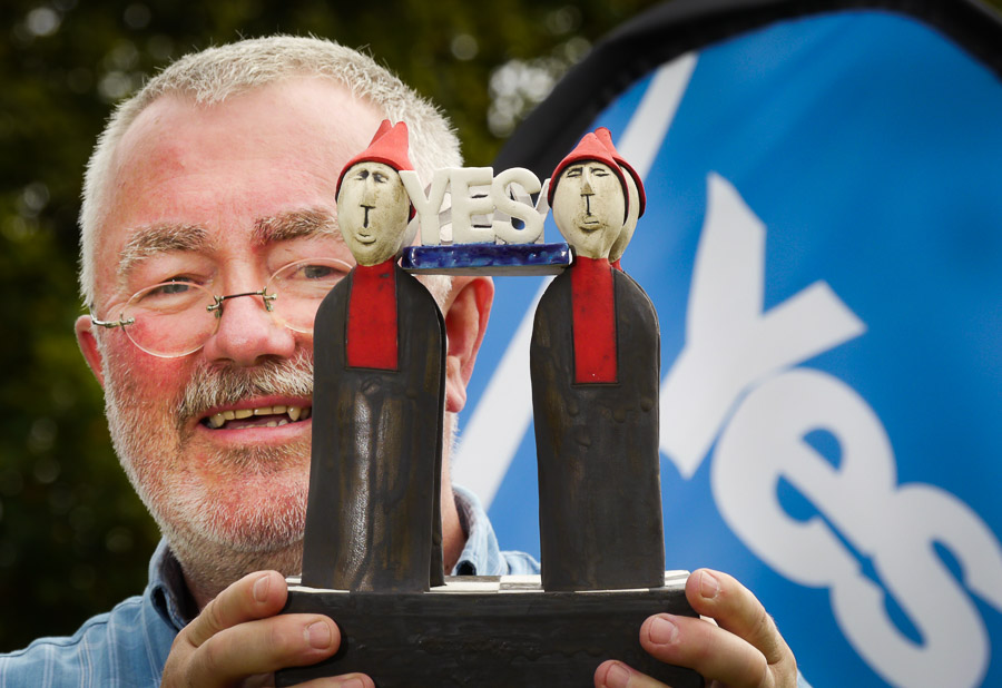 Bill Williamson with his special commemorative referendum 'Yes' piece.